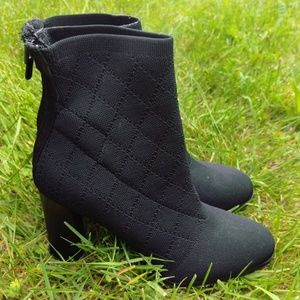 IMPO Black Heels Booties Stretchy Fabric Comfy 8.5